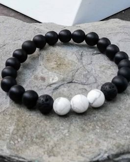 Black onys and white howlite beaded bracelet