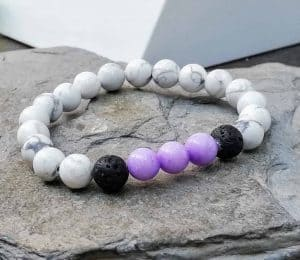 white howlite beaded bracelet