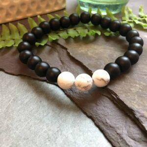Black Onyx and White Howlite Stone Bead Fashion Bracelet