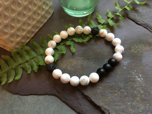 Howlite and Onyx Bead Bracelet
