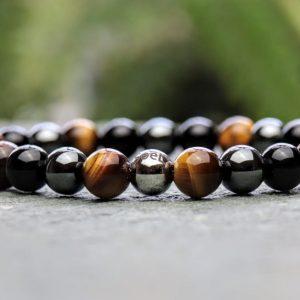 Tigers eye, onyx and hematite beaded bracelet