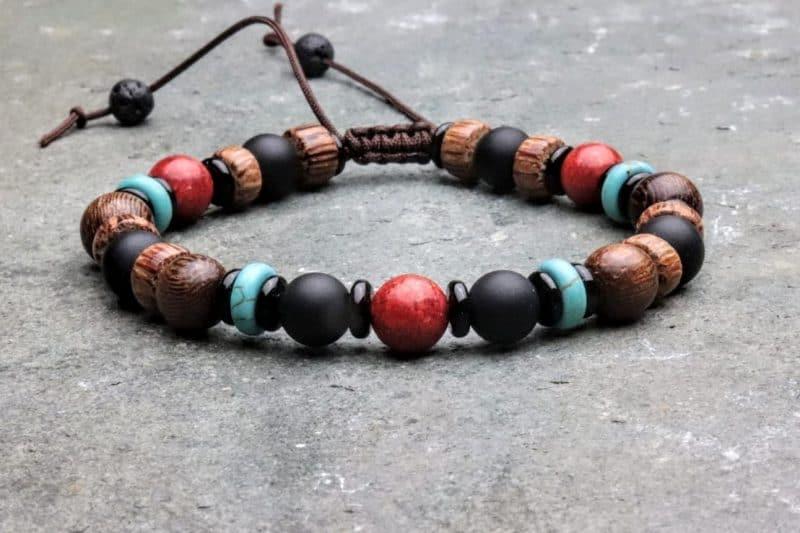Onyx, coral and palmwood beaded bracelet